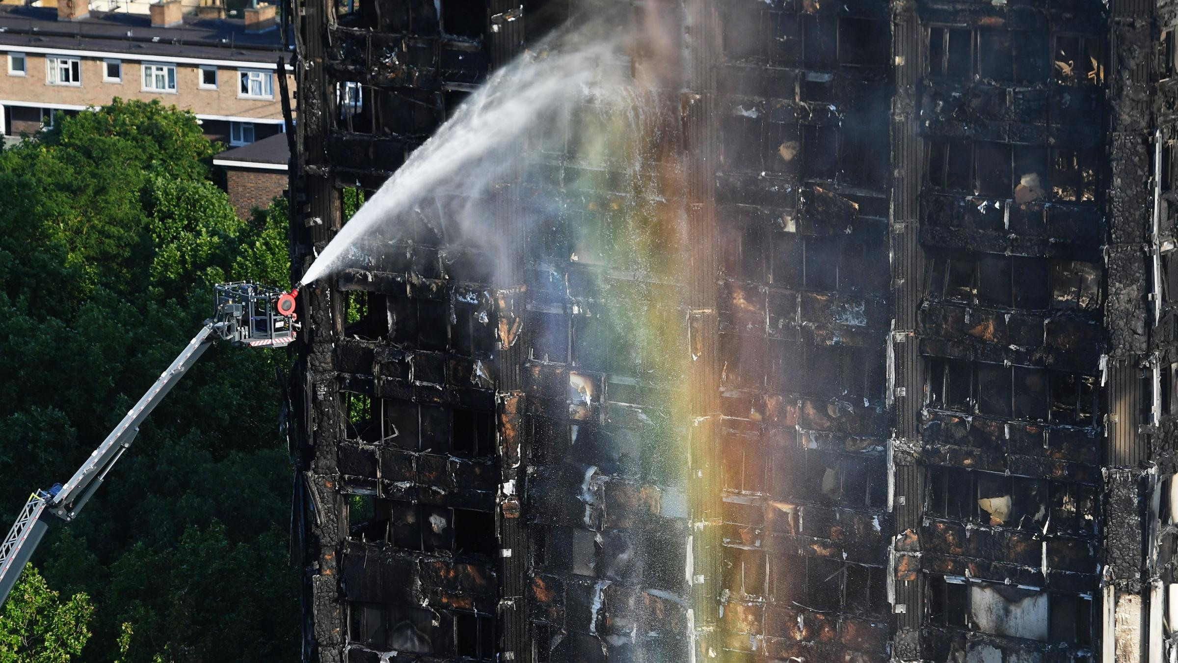London fire: Firefighters remove bodies from gutted Grenfell Tower